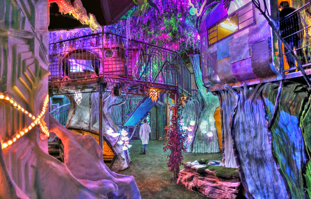 Immersive multisensory experiences: What Content Creators Can Learn About Brand Storytelling from Immersive Art Spaces