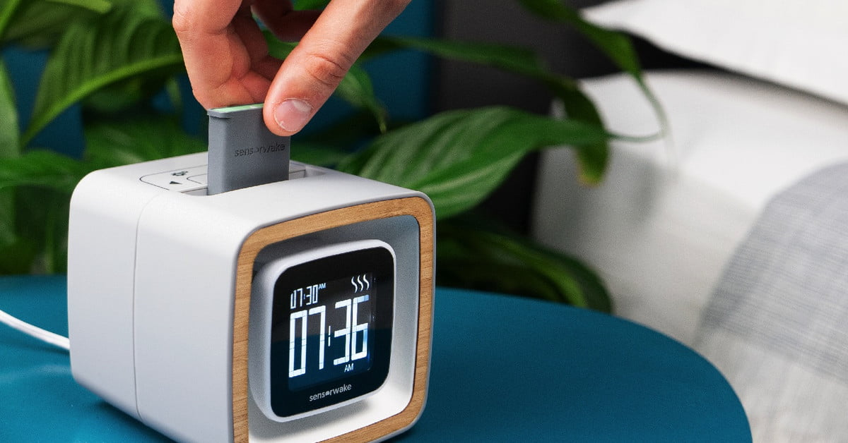 Seaside or pine forest? This alarm clock wakes you to the scent of your choice