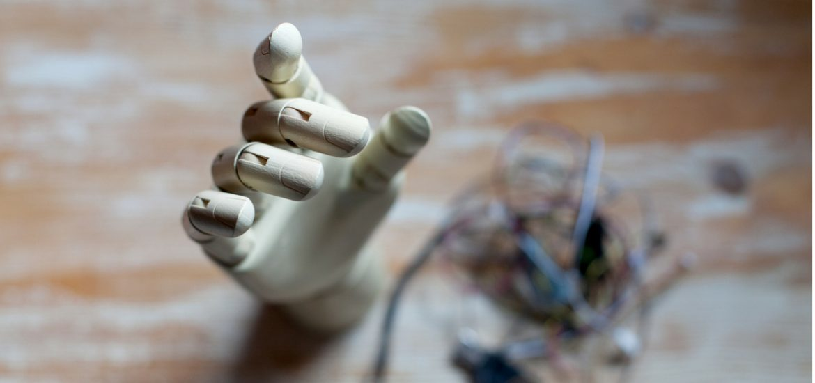 Virtual reality multisensory neuroprosthetic approach may be able to reduce the illusions of phantom limb distortion | European scientist