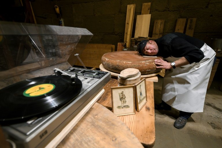 Cheesy music: Swiss experiment with sound to make cheese tastier | Phys.org