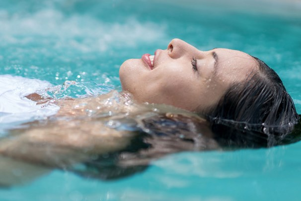Sensory Deprivation Tank: What is Float Therapy? | Marie Claire Australia
