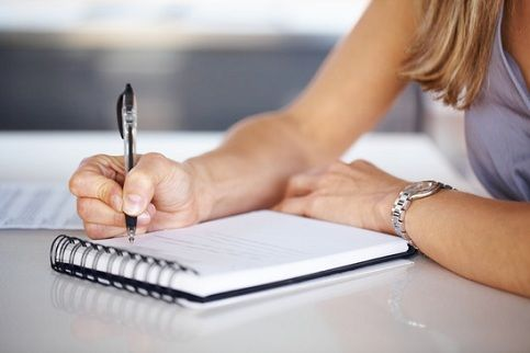 The benefits of taking notes by hand in a digital world | 702.co.za