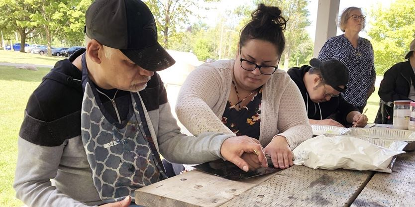 Sensory art helps deafblind clients get the feel in Barrie park | Simcoe.com