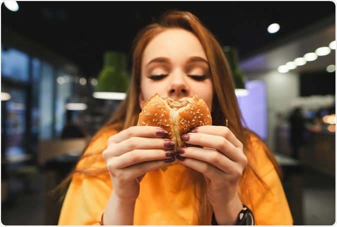 Lack of sleep increases junk food cravings via nose-brain interactions | News-medical.net