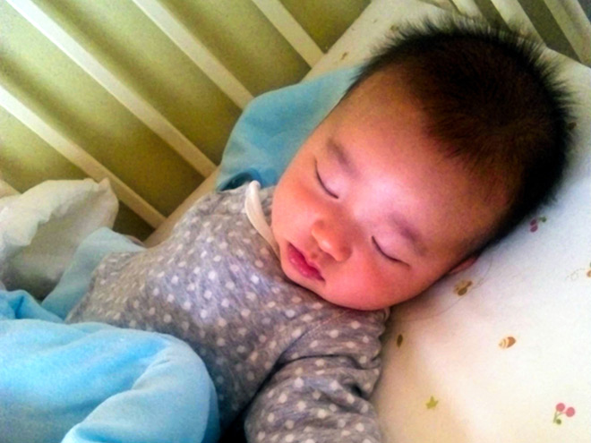 Scent of a baby's head: Key to preventing child neglect?   The Asahi Shimbun