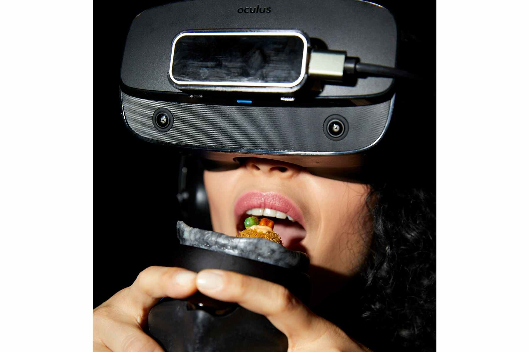 H/O Aerobanquets virtual reality dining experience with Facebook Oculus VR mask