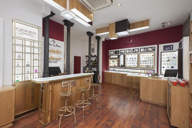 The bar of perfumes Le Secret du Marais