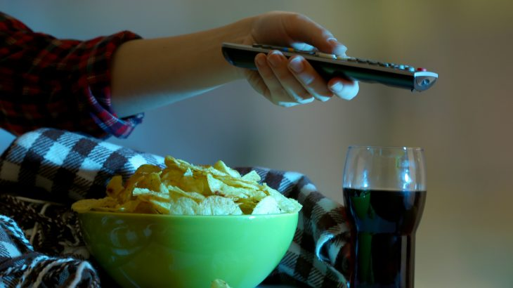 Why eating gets out of hand in front of the TV | Earth.com