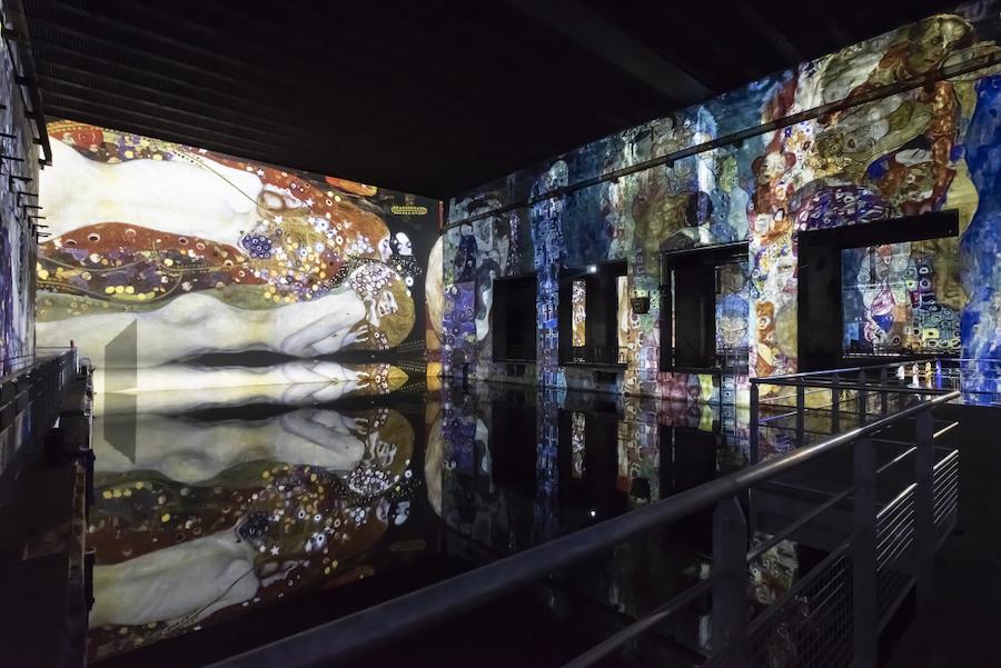 bassins des lumieres culturespaces klimt barco