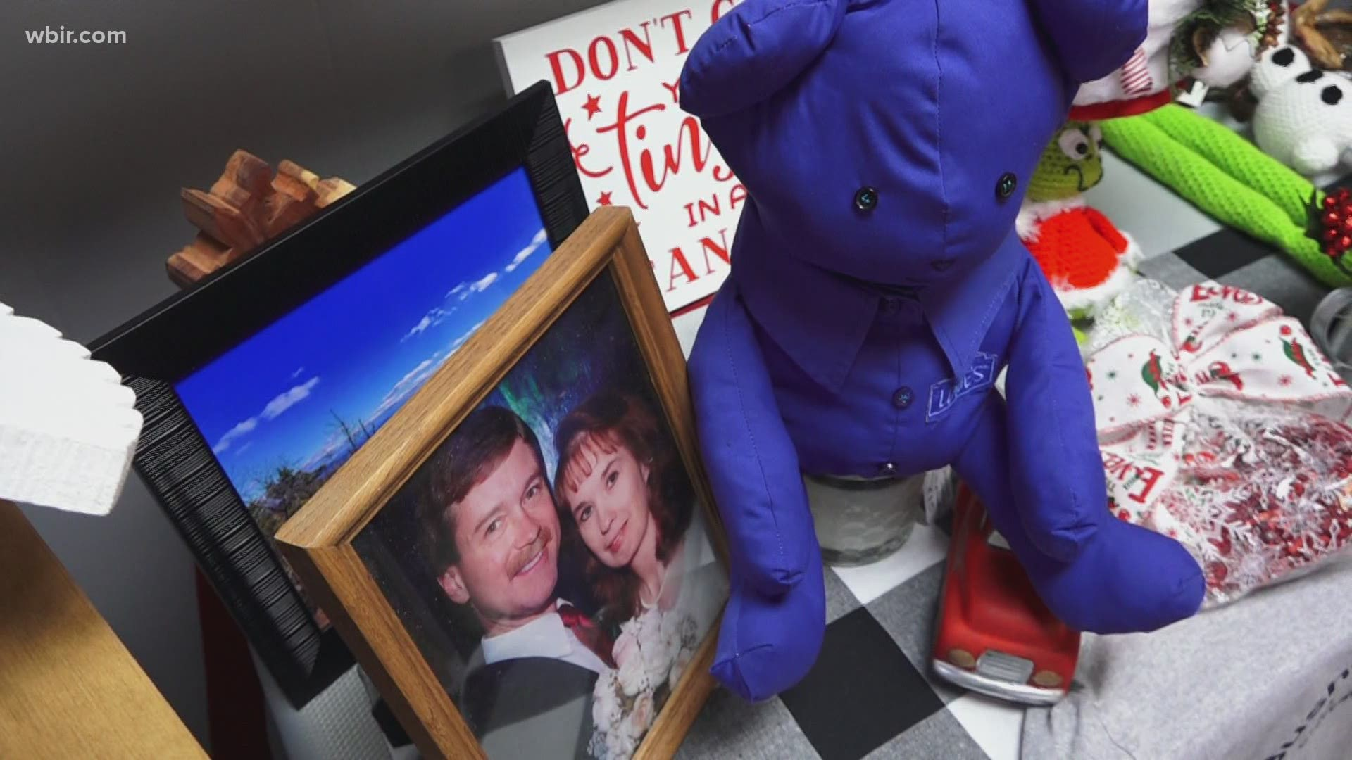 Roane Co. widow helps strangers cherish the memory of their lost loved ones | WBIR