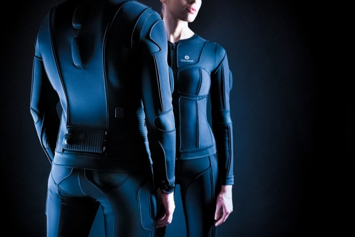 Experience a Full-Body Haptic VR Suit with Teslasuit | TechAcute