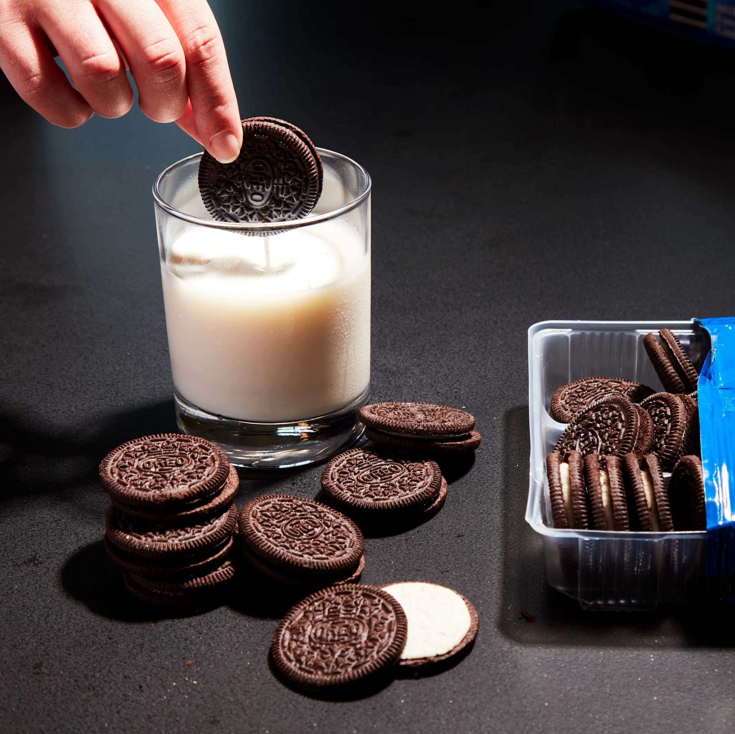 The Absolute Best Way to Eat An Oreo, According to Science | Popular Mechanics
