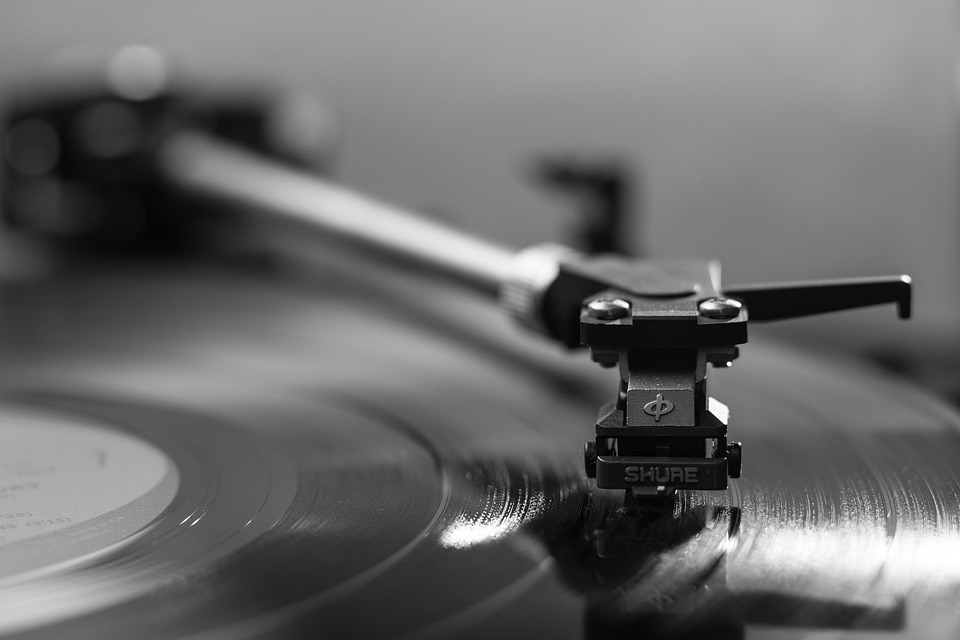Background Music Demand Surges as Sensory Marketing Gains Traction Through 2027 | The Manomet Current