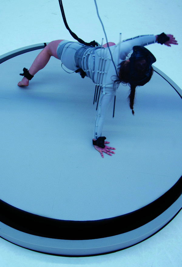 Un(Balance), playing the body virtual | Neural