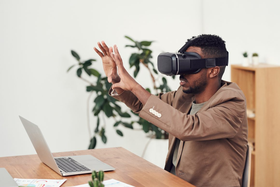 VR and its Impact in Our World | Ballerstatus
