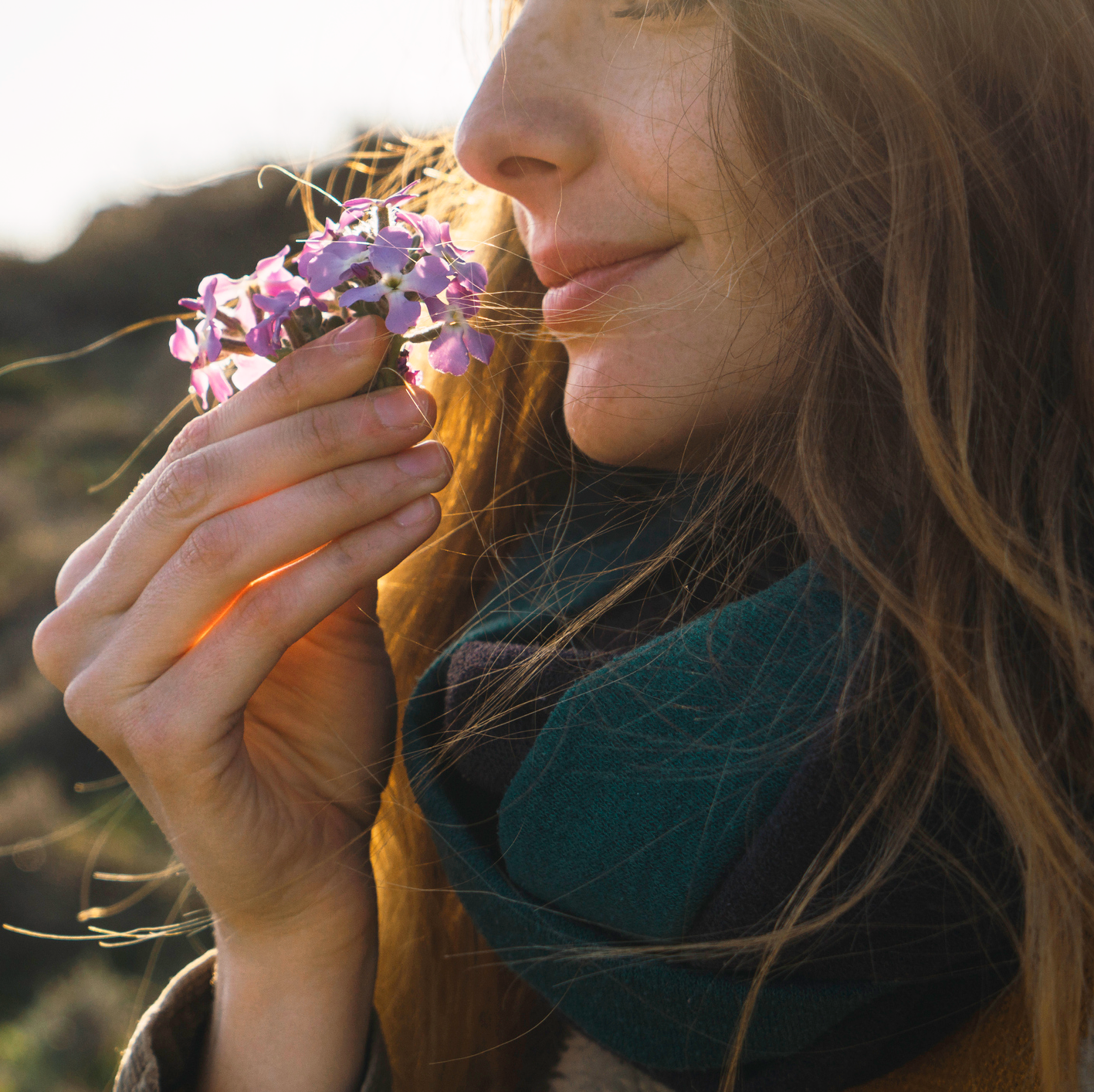 Why Smells Can Trigger Powerful and Emotional Memories   Prevention